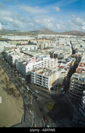 dh ARRECIFE LANZAROTE Waterfront Gebäude Beachroad und Stadtbild Blick vom Gran Hotel Wohnungen - Stockfoto