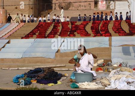 Weltwassertag, Varanasi, Indien, Schülerinnen und Schüler das Bewusstsein über die Notwendigkeit für sauberes Wasser, - Stockfoto