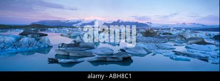 Jökulsárlón Gletscher Lagune und Vatnajökull-Eiskappe-Island - Stockfoto