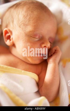 Porträt des neugeborenen Baby schlafen - Stockfoto
