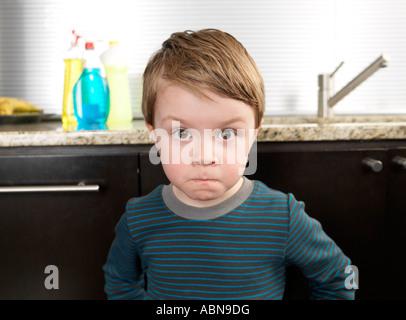 Porträt des kleinen Jungen - Stockfoto