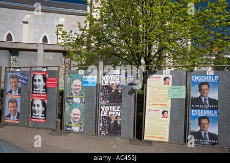 Eine Werbeseite für die 2007 französischen EU-Ratspräsidentschaft-Umfrage. Panneaux Électoraux pour l'Élection Présidentielle - Stockfoto