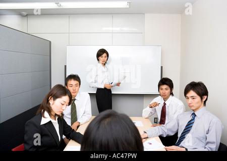 Gruppe von Geschäftsleuten treffen - Stockfoto