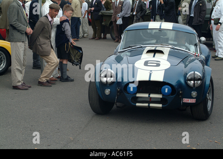 Ac cobra Sport Auto, paddock Motorsport in Goodwood Revival Meeting 2003 West Sussex England Vereinigtes Königreich - Stockfoto