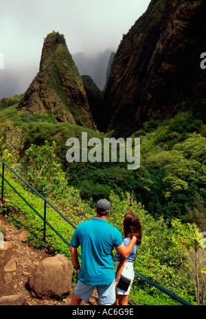 Leute, paar, Touristen, Besucher, Iao Needle, Iao Valley, Iao Valley State Park, State Park, Insel Maui, Maui, Hawaii - Stockfoto