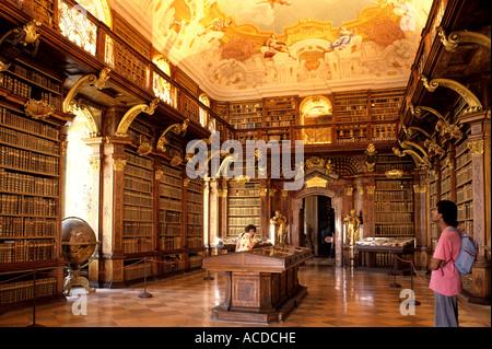 Stift Melk Benediktiner-Abtei Kloster Kirche Österreichs alten österreichischen Geschichte historisch Zentrum Malerei - Stockfoto