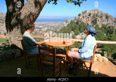 Der Blick vom alten Pili Dorf Café auf Mount Dikaio auf der griechischen Insel Kos.
