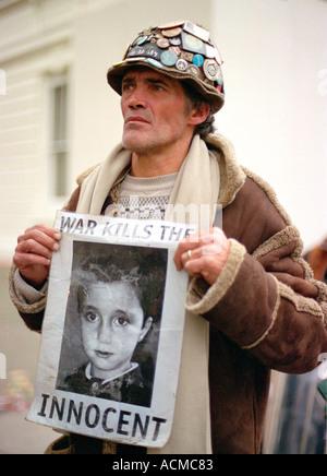 Brian Haw, der letzten drei Jahre verbracht hat, kampieren außerhalb der Houses of Parliament, die Teilnahme an - Stockfoto