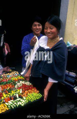 Ecuadorans, ecuadorianischen Volk, Straßenverkäufer, Ipiales Markt, Mercado Ipiales, Calle Sucre, Quito, Provinz - Stockfoto