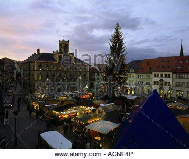 deutschland th ringen weimar weihnachtsmarkt stimmung voll abend bersicht stadt cranach. Black Bedroom Furniture Sets. Home Design Ideas