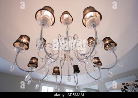 Moderne Kronleuchter Edelstahl ~ Moderne edelstahl kronleuchter mit lampenschirmen stockfoto bild