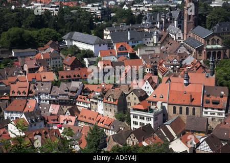 Blick von der Burg Windeck von der historischen und ziemlich deutsche Stadt Weinheim. - Stockfoto