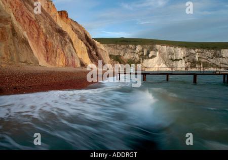 Landschaft der Alum Bay Klippen und Meer auf der Isle Of wight - Stockfoto