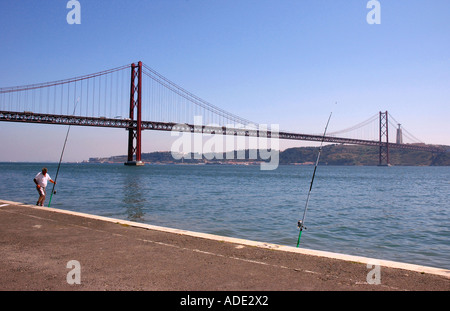 Vasco da Gama Bridge über den Tejo aus Belem Viertel südlich von Lissabon Costa Lisboa Portugal Iberia Europa per - Stockfoto