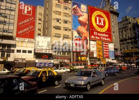 Plaza de La Republica, Avenue des 9. Juli und Avenida Corrientes, Buenos Aires, Provinz Buenos Aires, Argentinien, - Stockfoto