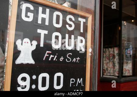 Leesburg Virginia North King Street Zeichen Ghost Tour - Stockfoto