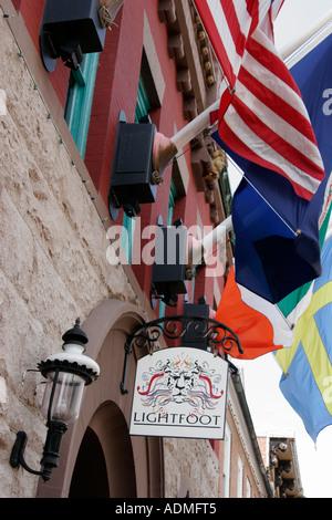 Leesburg Virginia North King Street Lightfoot Restaurant Fahnen - Stockfoto
