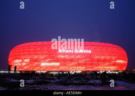 Allianz Arena mit Beleuchtung, München, Muenchen, Bayern ...