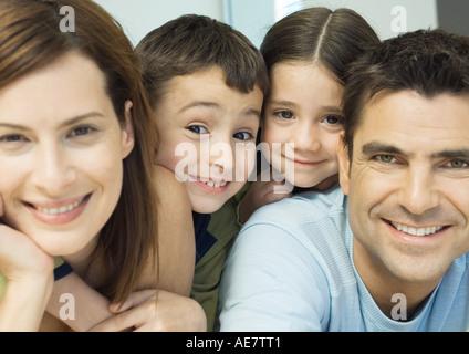 Familienporträt, close-up - Stockfoto