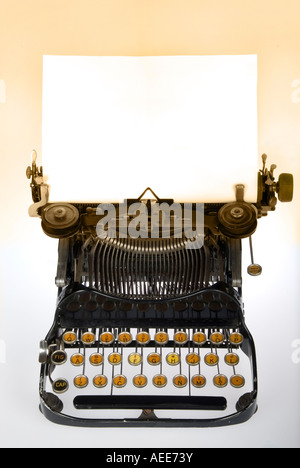 Antik Retro-Schreibmaschine - Stockfoto