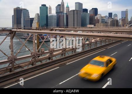 Blick von der Brooklyn Bridge, Manhattan, New York, USA - Stockfoto