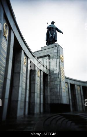 Russischen Krieg-Denkmal-Straße des 17. Juni Berlin Deutschland - Stockfoto