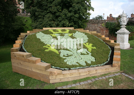 Mercian Regiment Insignia Blumenbeet Tamworth Castle erdet 003 - Stockfoto