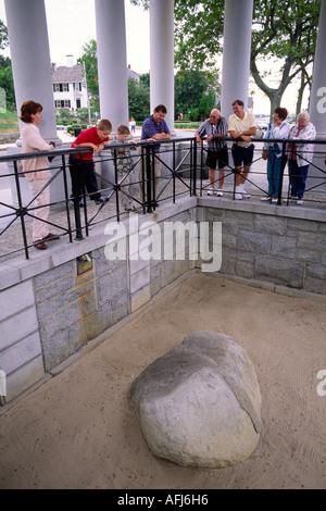 Plymouth Rock in die Stadt von Plymouth, Massachusetts, USA. Erinnert an die Landung und koloniale Siedlung der - Stockfoto