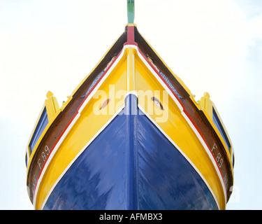 MT - MALTA: Typisch maltesischen Boot im Hafen von Marsaxlokk - Stockfoto
