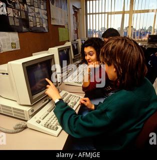 Bildung Computer Lektion im Sixth Form college - Stockfoto