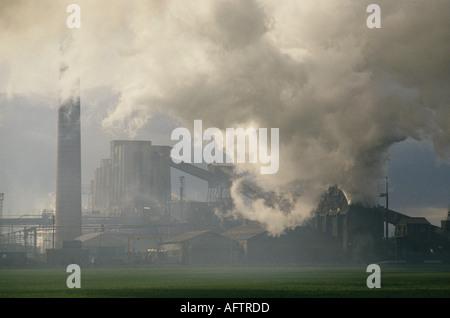 Monkton Kokerei in Hebburn, Tyne und England Verschmutzung Kohlendioxid tragen. 90er Jahre. HOMER SYKES - Stockfoto