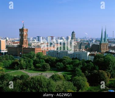 Geographie/Reisen, Deutschland, Berlin, Blick auf die Stadt/Stadtansichten, Berlin Mitte, Rotes Rathus, Nikolaikirche, - Stockfoto