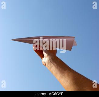 Papierflieger. - Stockfoto