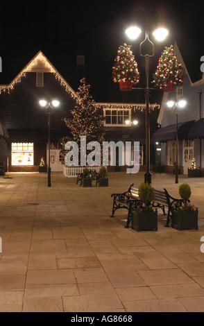 Weihnachtsschmuck in Maasmechelen Village - Stockfoto