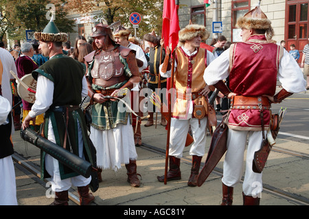 ungarn debrecen blumen karneval festival folklore menschen stockfoto bild 14165064 alamy. Black Bedroom Furniture Sets. Home Design Ideas