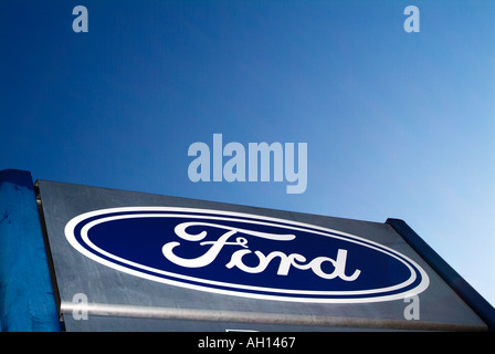 Ford Auto Abzeichen Schild am Autohaus Henry Ford Symbol Logo Marke Marke Ford ford Detroit Formel 1 Nascar Ford - Stockfoto
