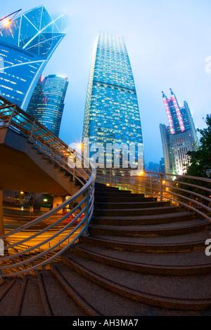Bankenviertel in der Abenddämmerung Hong Kong China - Stockfoto