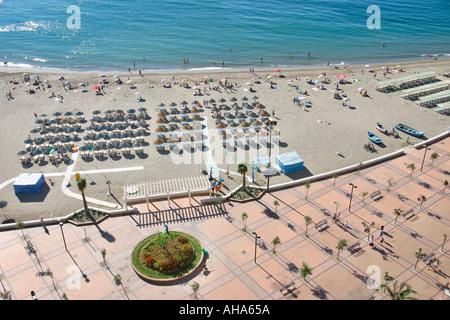 Fuengirola Costa del Sol Spanien Aerial View Promenade und Strand - Stockfoto