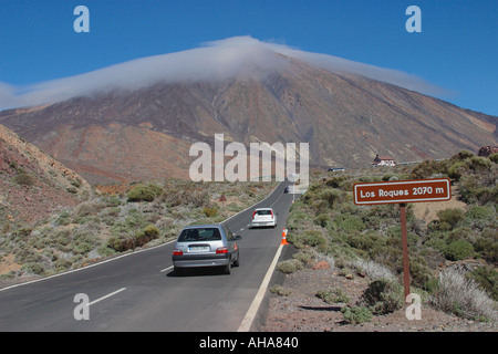 Nationalpark Teide, Teneriffa, Kanarische Inseln, Spanien.  Los Roques und Mount Teide. - Stockfoto