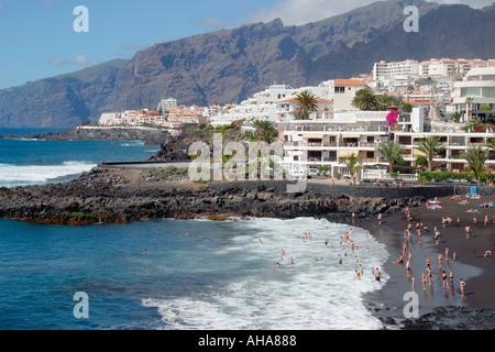 Playa De La Arena Puerto de Santiago-Teneriffa-Kanarische Inseln-Spanien - Stockfoto