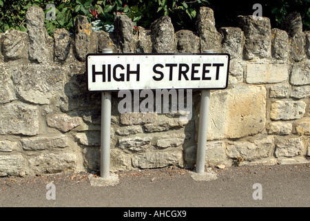 High Street Straßenschild im Dorf - Stockfoto