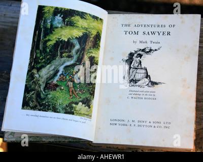 Eine frühe illustrierte englische Ausgabe der Kindheit klassischen Tom Sawyer von amerikanischen Schriftsteller - Stockfoto