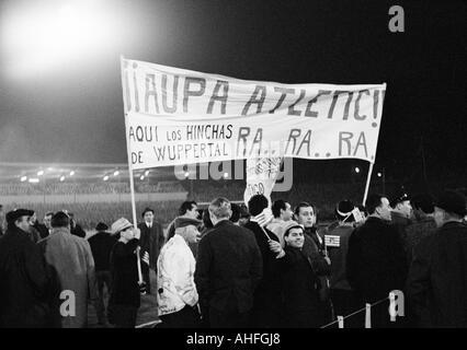 1966 european cup winners cup finale stockfoto bild 107612238 alamy. Black Bedroom Furniture Sets. Home Design Ideas