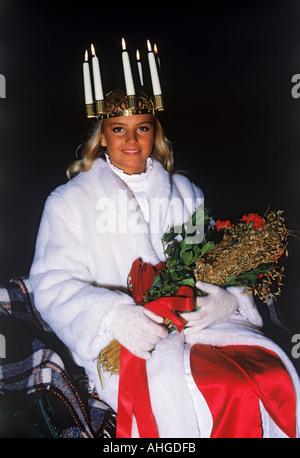 Miss Lucia in Skansen Park am 13. Dezember in Stockholm - Stockfoto