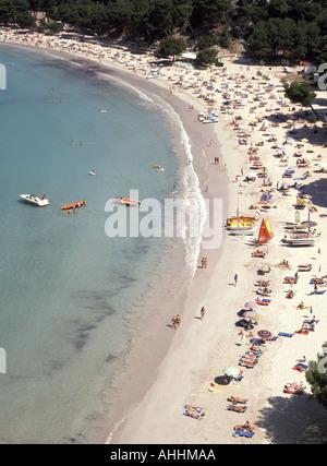 Santa Galdana Menorca halb Luftbild blickte am Sandstrand - Stockfoto