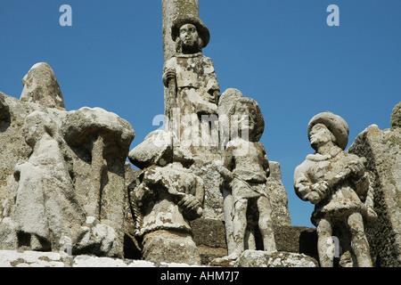Einen Ausschnitt aus dem berühmten Notre-Dame de Tronoën Kalvarienberg in der Nähe von Audierne in Bretagnes, Cornwall - Stockfoto