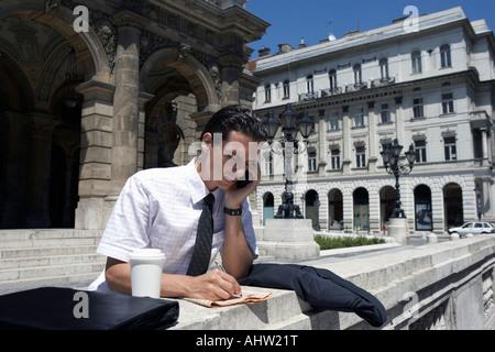 Mann des Opernhauses in Ungarn. - Stockfoto