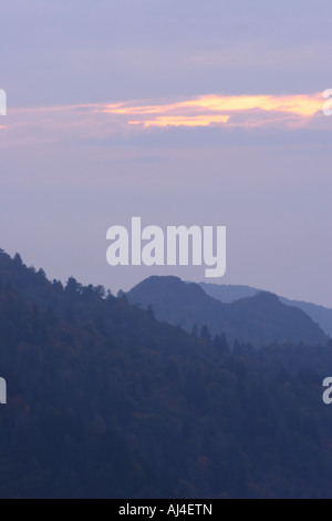Schornstein-Tops bei Sonnenuntergang in der Great Smoky Mountains National Park - Stockfoto