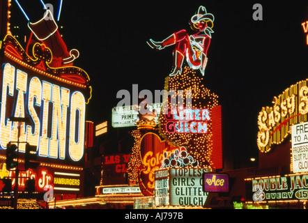 Vereinigte Staaten von Amerika, Nevada, Las Vegas, Fremont Street, Casino Neon Lights - Stockfoto
