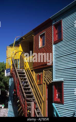 Bunte Wellblech Haus in El Caminito, La Boca, Buenos Aires, Argentinien - Stockfoto